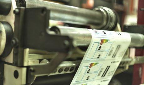 Machine industrielle pour l'impression et la pose d'étiquette à la Réunion